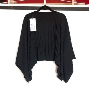 NEW Lululemon Black Forward Flow Poncho